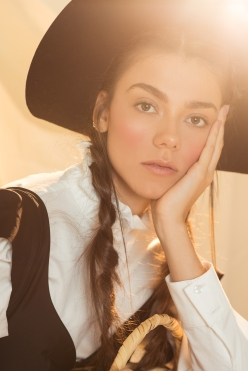 AMISH EDITORIAL048 ©VQ-Editar